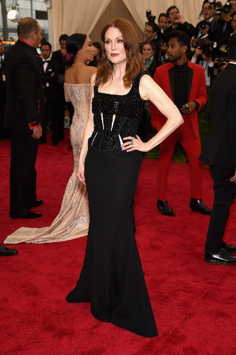julianne-moore-met-gala-2015-best-dressed.jpg