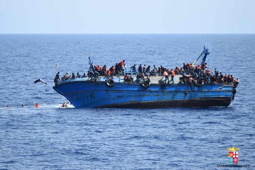 migrant-boat-1.jpg