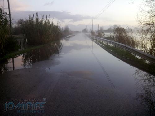 Cheias em Alfarelos inundam estrada nacional 341 e cortam acesso do Baixo Mondego a Coimbra (2016.01.12)