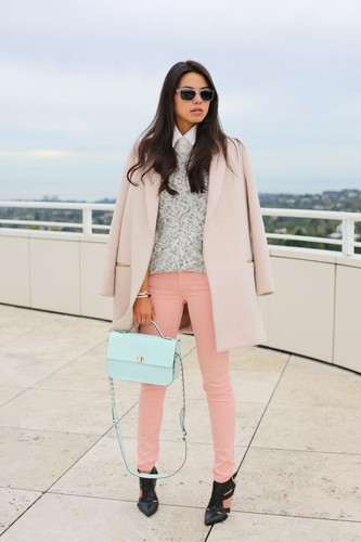 5_-serenity-blue-bag-with-rose-quartz-outfit.jpg