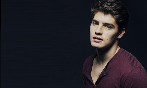 gregg-sulkin-hd-wallpaper.jpg
