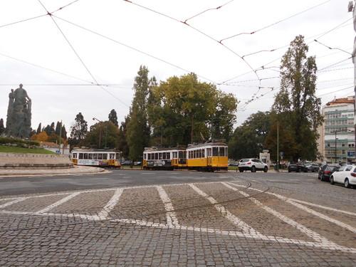 Os relétricos na Praça SãoJoão Bosco (terminus