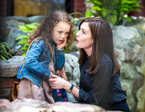 Anne-Hathaway-The-Intern-Movie-Set-1.jpg