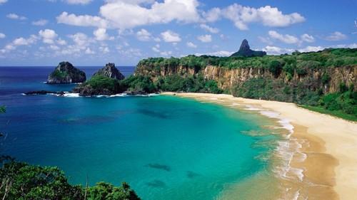 Baía do Sancho (Fernando de Noronha, Brasil).jpg