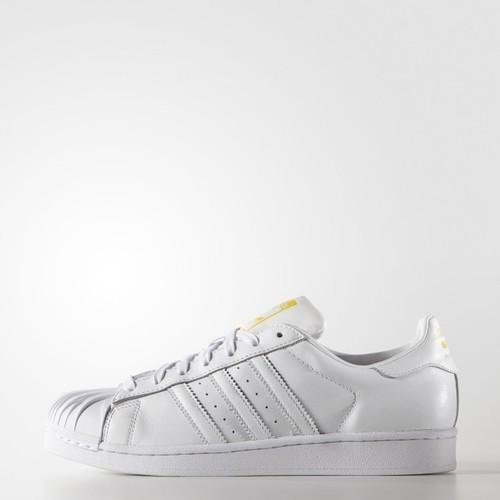 Zaha-Hadid-para-Adidas-2.jpg