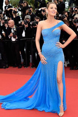 Blake-Lively-Cannes-Film-Festival-2016-Red-Carpet-