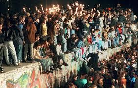 Queda muro de Berlim.png