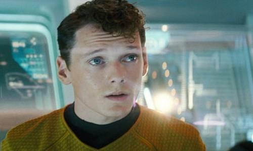 Anton-Yelchin-em-cena-de-Star-Trek.jpg