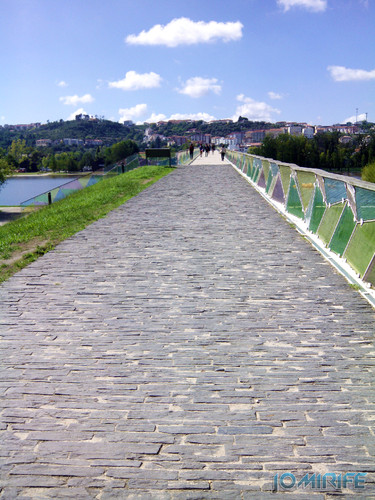 Ponte Pedro e Inês de Coimbra com vidros coloridos [en] Pedro and Inês Bridge of Coimbra with colored glasses