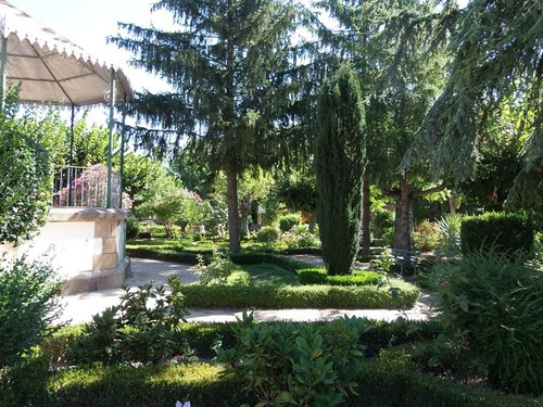 Almeida jardim 3.jpg
