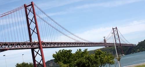 Lisbon-suspension-bridge.jpg