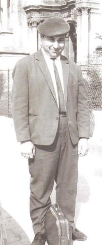 1 b16 - 1976 - aos 46 anos em Paris.jpg
