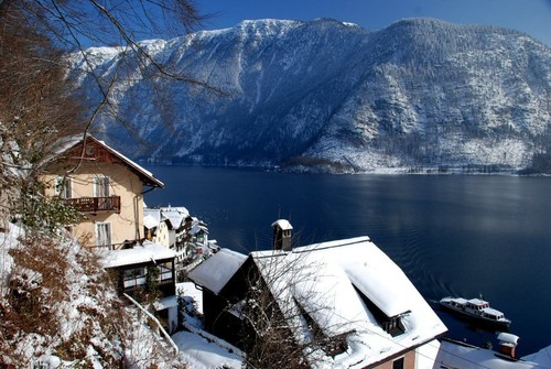 WebsitePicture-hallstatt-winter-kirche-friedhof-or