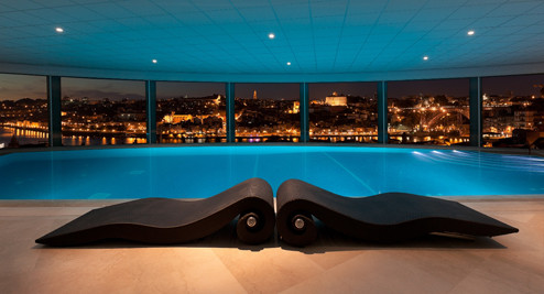 The-Yeatman_Spa_Piscina-Interior_vista-noite.jpg