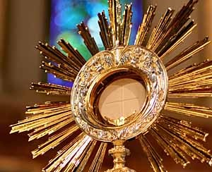 holy-eucharist.jpg