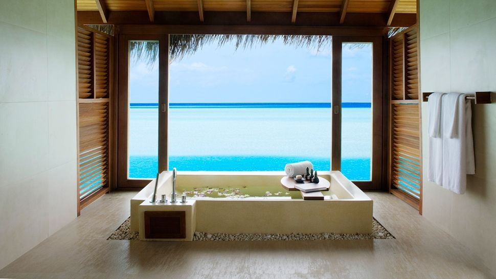 002985-17-OVERWATER-SUITE-BATHROOM.jpg