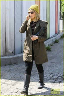 dianna-agron-heres-to-showing-your-love-05.jpg