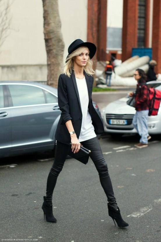 model-street-style-blazer-white-tee-skinny-jeans.j