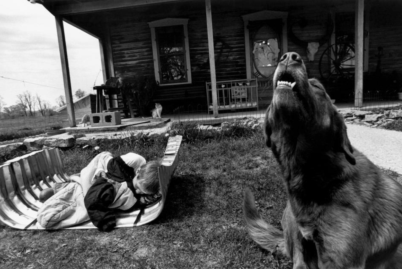 03 - Larry Towell.png