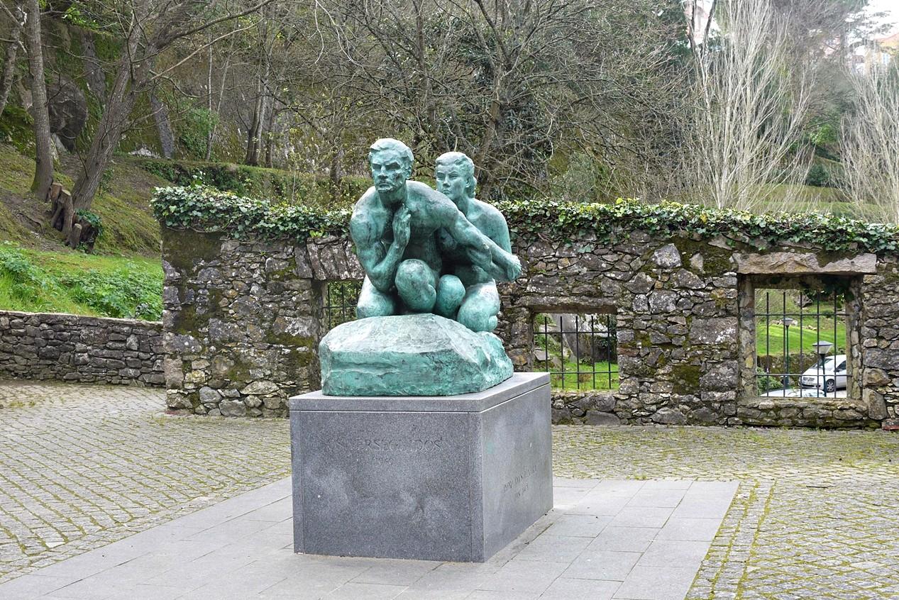 Estátua Anjos Teixeira , Azinhaga da Sardinha.JPG