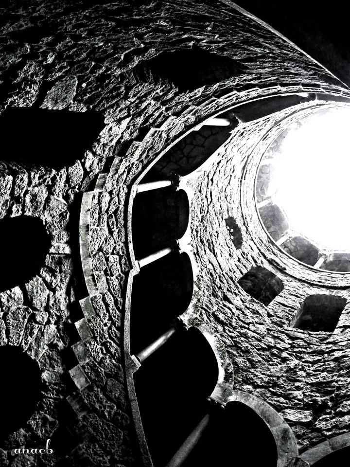 ao acaso #4 poço iniciático na Quinta da Regalei