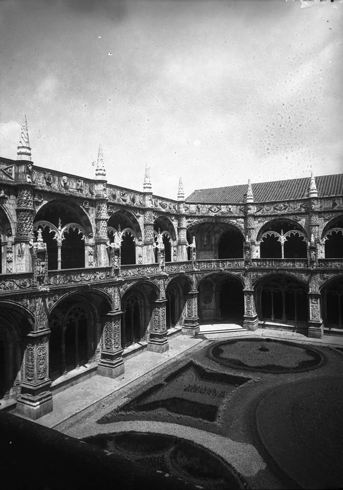Mosteiro dos Jerónimos, claustro, joshua.jpg