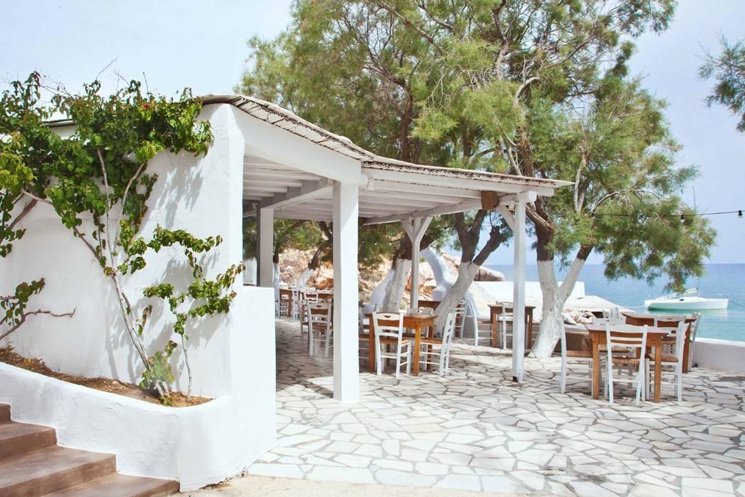 view-of-restaurant-and-beach-at-beach-house-antipa