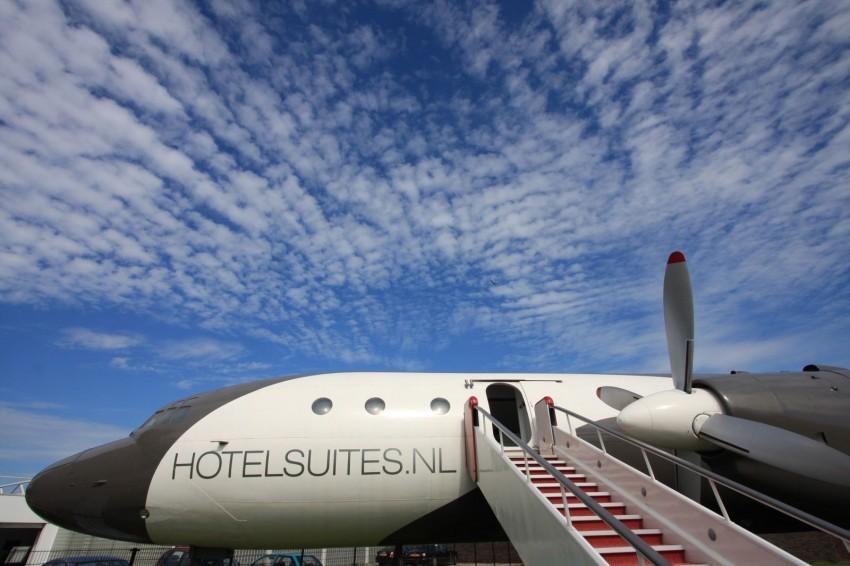 Airplane-Suite-04-850x566.jpg