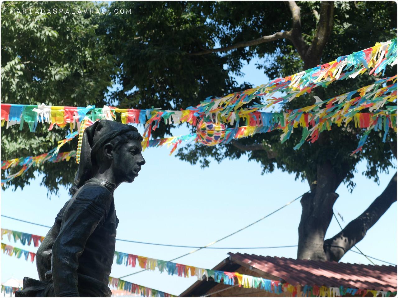 Estáuas em São Pedro de Alcântara | Foto Maria das Palavras