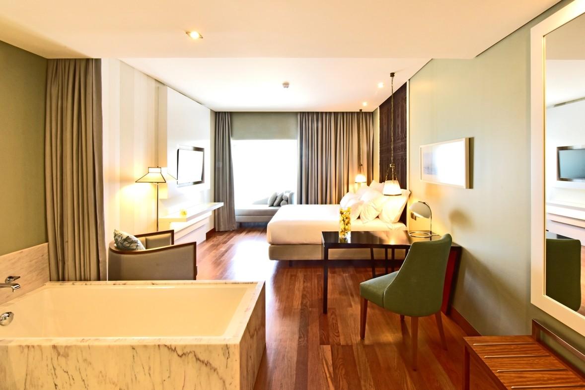 pousada-lisbon-bedroom.jpg