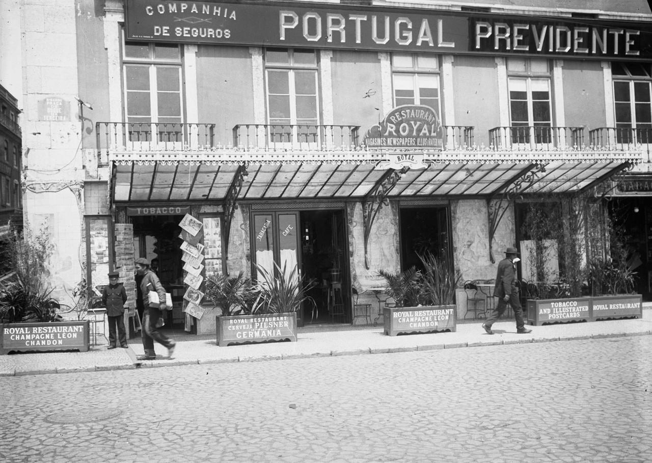 Café Royal, foto de Joshua Benoliel, in a.f. C.M.