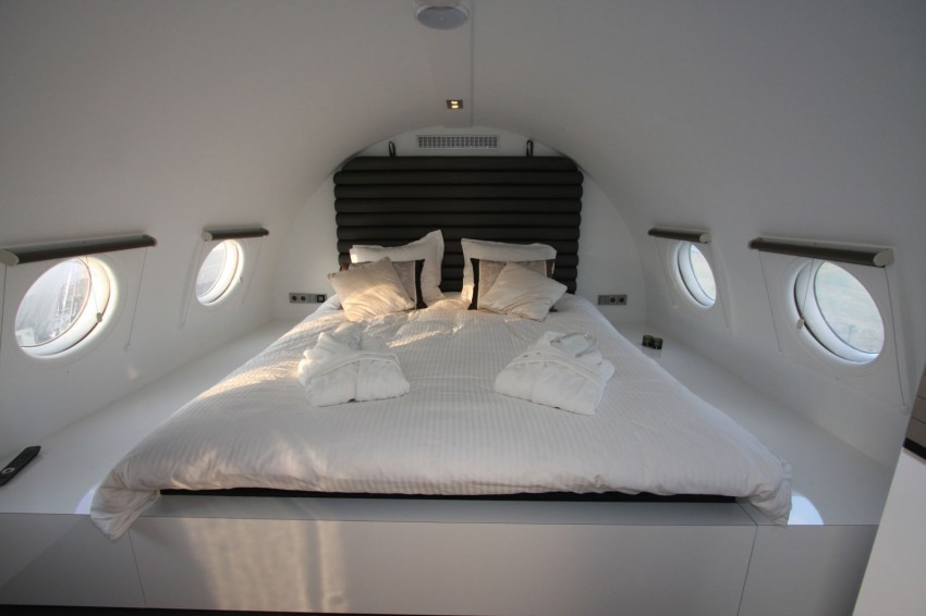 Airplane-Suite-11-850x566.jpg