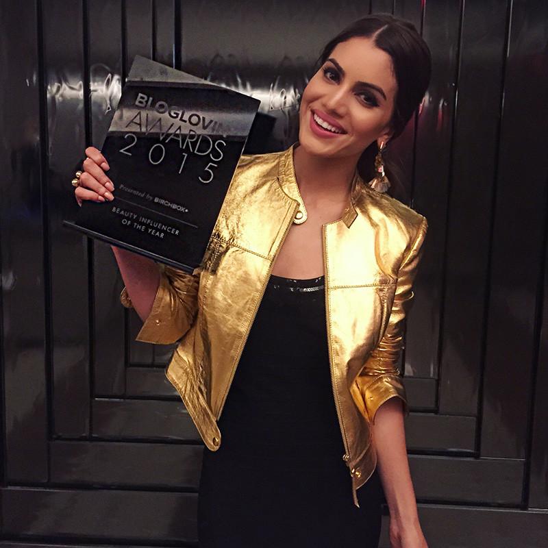 Camila Coelho Premio.jpg