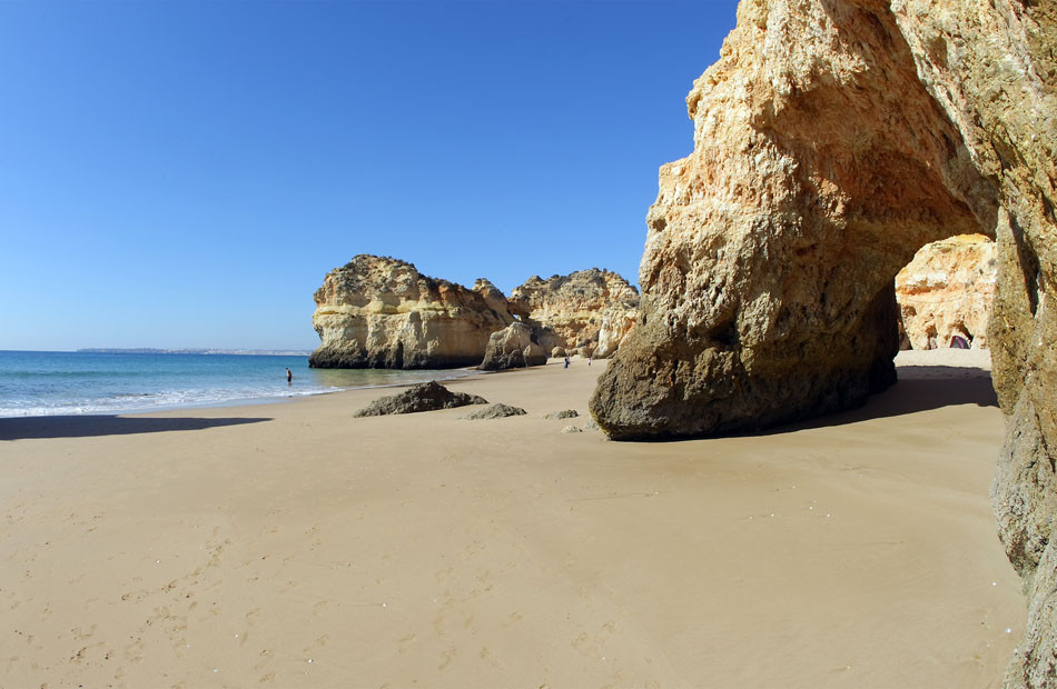 Prainha-Portimao-Algarve.jpg
