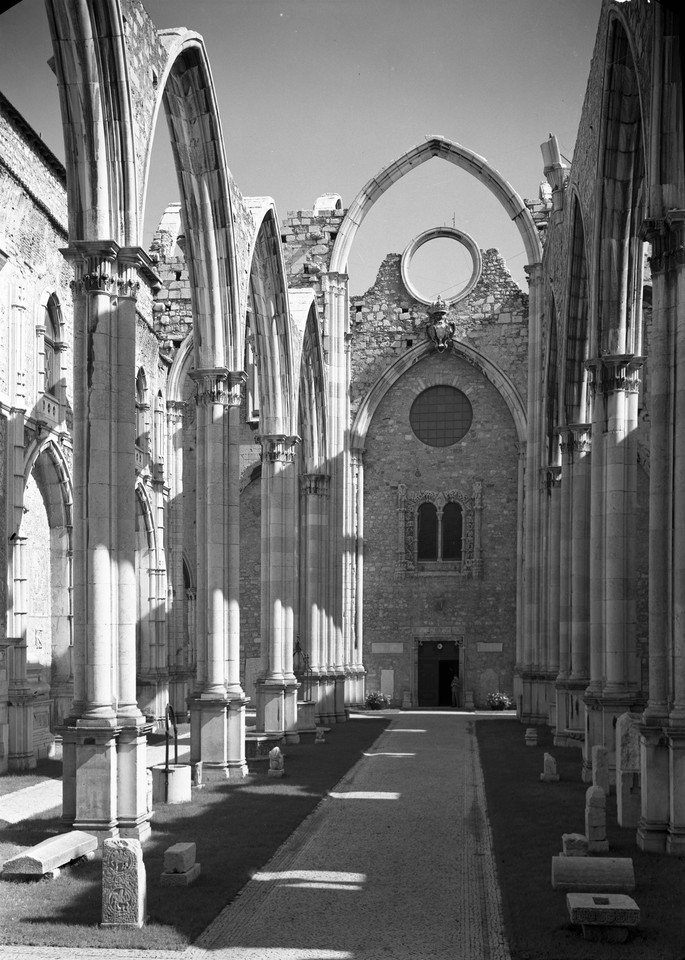 Convento do Carmo, interior, 1949, foto Estúdios