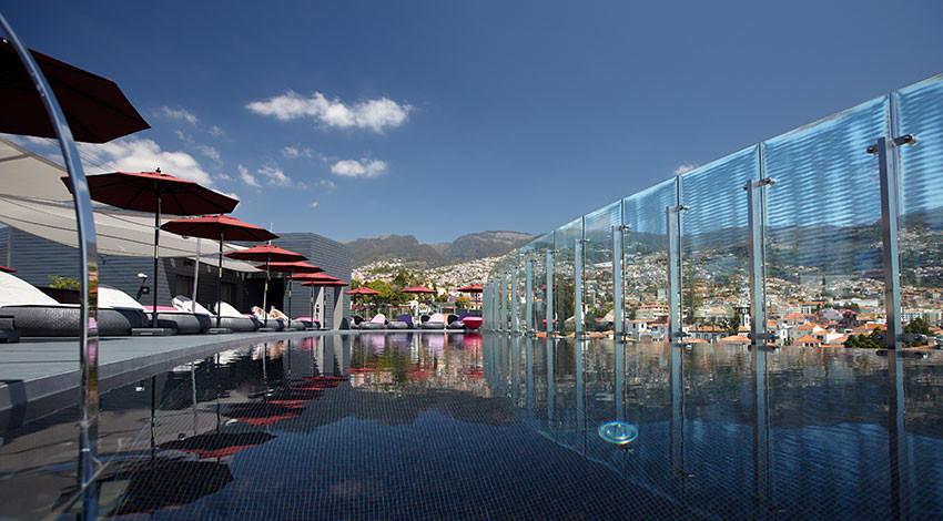 the vine hotel.jpg