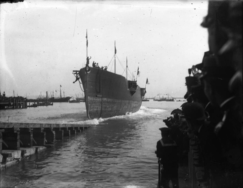 Arsenal de Marinha, lançamento à água do cruzad