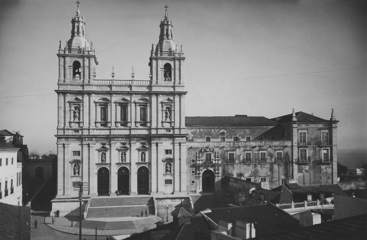 Igreja e Mosteiro de São Vicente de Fora, fachada