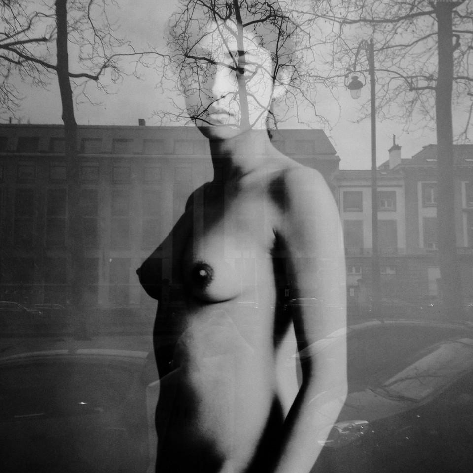 Ceci n'est pas une femme nue.jpg