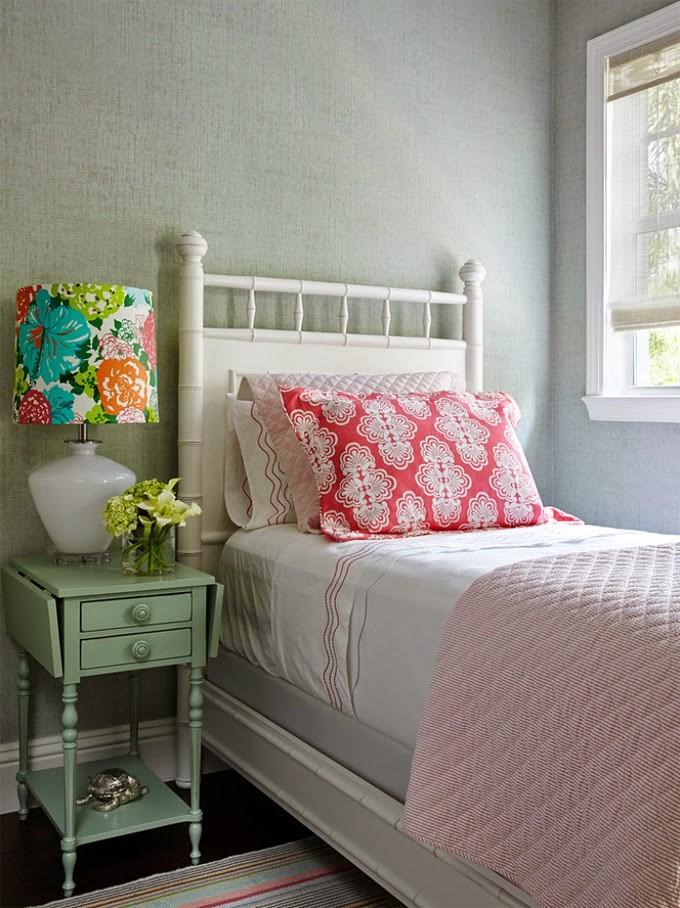 pink aqua bedroom.jpg
