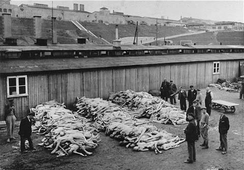 Mauthausen, Áustria, depois de 5 Maio 1945.jpg