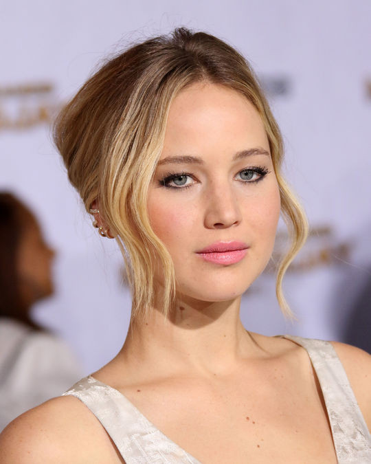 jennifer-lawrence-mockingjay-hair-makeup-w540.jpg