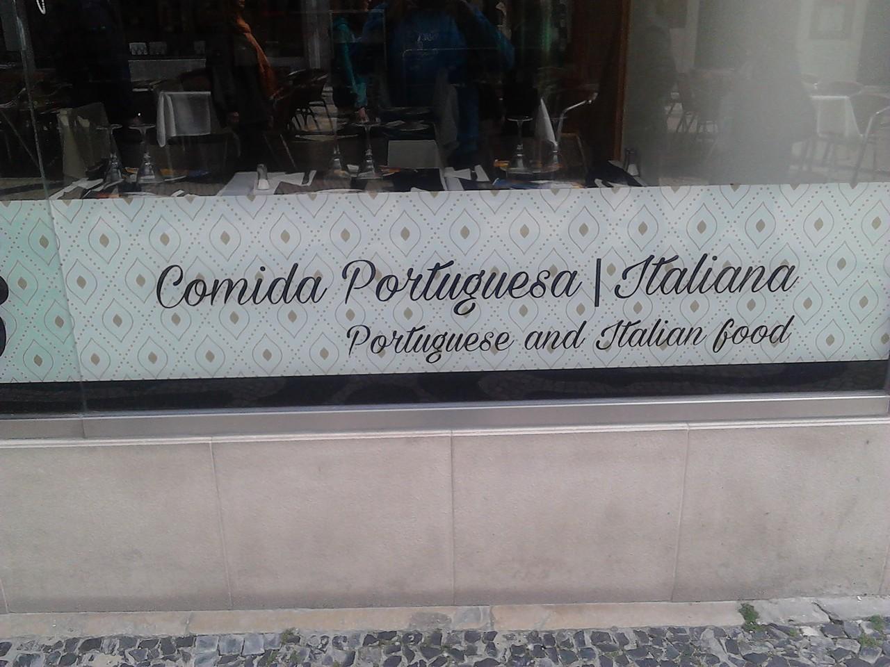 letreiro português inglês.jpg