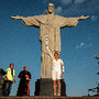 Cristo Rei 'recebe' a tocha olímpica