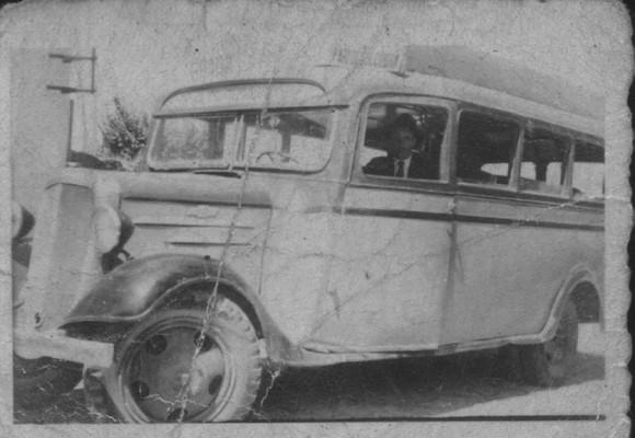 Autocarro antigo courense Ford