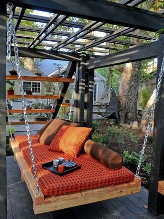 20-Unique-Porch-And-Swing-Ideas-6.jpg