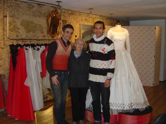 12 02 28 - Renda de bilros - Vestido de Noiva 012.