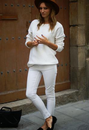 color-blanco-jerseys-jeans-marron-oscurolook-main-