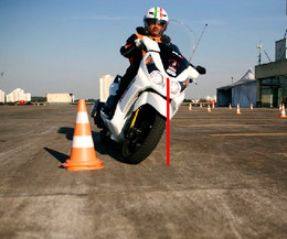 Como entender a frenagem de motocicletas 17511028_c3129