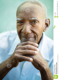closeup-happy-old-black-man-smiling-camera-2570687